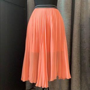 Women's Peach TopShop pleated skirt